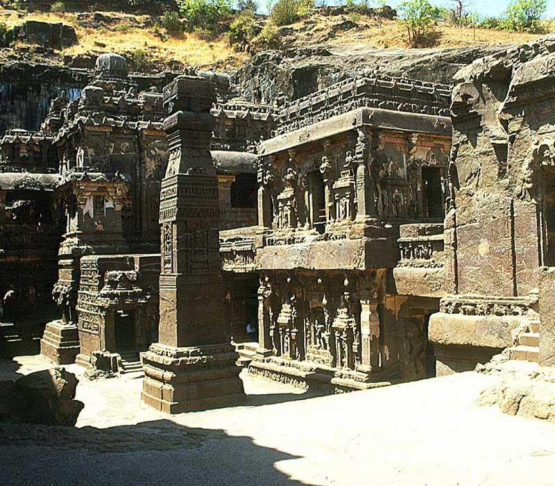 Ellora cave main stumbha