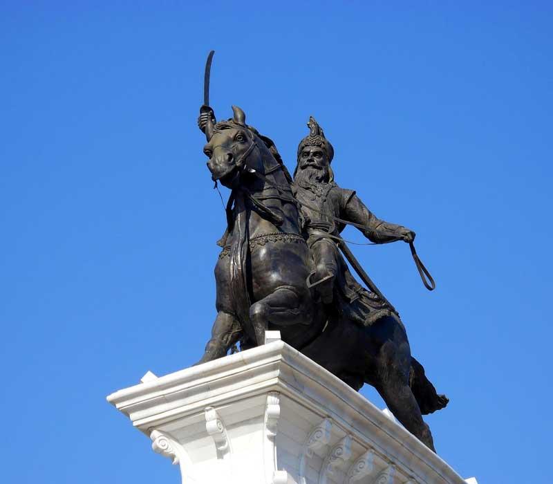 Golden Temple Street Statue